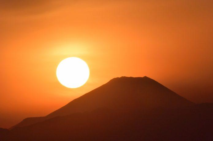 日本の夕日百景